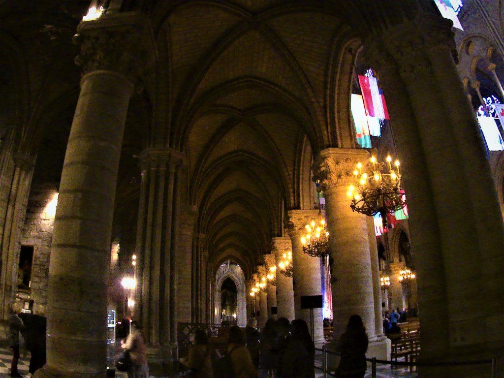 Notre-Dame de Paris, navate