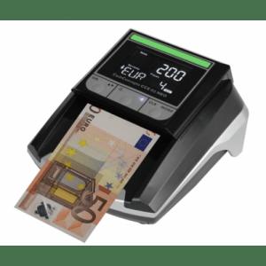 Carta da 50 euro che passa dalla macchina di controllo autenticità
